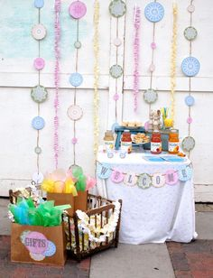 Some more cute garland ideas. Ruffles and circles!