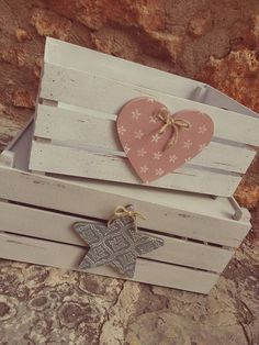 Wood Projects, Craft Projects, Projects To Try, Home Crafts, Diy And Crafts, Decoupage Vintage, Wooden Crates, Wood Boxes, Baby Decor