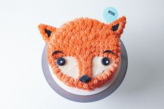 Do you hug them or eat them? It's so hard to decide! Cutest cakes on earth