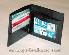 Duct tape wallet tutorial. Really easy and easy to follow.