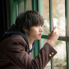 [Trailer] Kento Yamazaki, Mirei kiritani, Kentaro Sakaguchi, J live-action movie… Human Poses Reference, Pose Reference Photo, Kentaro Sakaguchi, Kento Nakajima, L Dk, Japanese Love, Japanese School, Crush Pics, Asian Actors