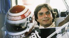 O jovem mecânico chegou a limpar o capacete do piloto argentino Carlos Reutmann para entrar em um autódromo. Isso foi em 1975. Em 1981, Piquet venceria, à frente de Reutmann, seu primeiro título da F-1.