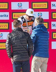 Hüppi und Russi überreichen Marcel Hirscher die Goldmedaille Skiing, Winter Jackets, Sports, Fashion, Ski, Winter Coats, Hs Sports, Moda, La Mode