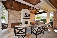 Outdoor living area built by Backyard Retreats (281) 485-8483