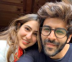Kartik Aaryan reveals he is not ready for marriage. Sara Ali Khan gives epic response Bollywood Couples, Bollywood Actors, Bollywood Celebrities, Bollywood News, Bollywood Fashion, Indian Celebrities, Couple Goals, Ready For Marriage, Couple Photoshoot Poses