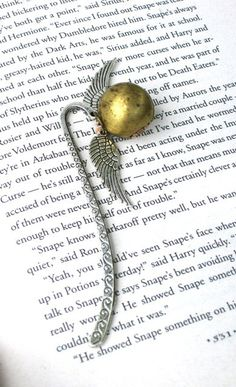 Harry Potter Magical Golden Snitch Bookmark