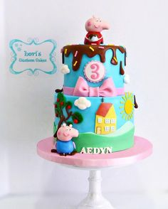 Peppa Pig  by Lori Mahoney (Lori's Custom Cakes)