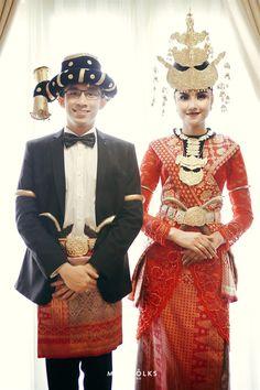 Horja, a traditonal wedding from Tapanuli selatan   Wedding Vendors and Ideas   http://www.bridestory.com/mindfolks-wedding/projects/zizi-arga-horja-wedding