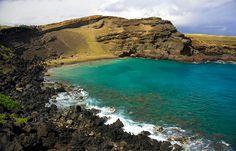 """10b-PRAIAS BIZARRAS DO MUNDO_""""Praia de Papakolea Green Sand no Hawaii-2"""" A Praia de Papakolea é apenas uma das quatro praias de areia verde do mundo, ela obtém sua coloração distinta do mineral olivina, encontrada no cone envolvente cinza."""