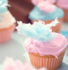 cotton candy cupcakes - cute for a kid party
