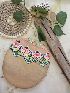 Image of 'Pardise Petal' Diy Crafts Room Decor, Diy Arts And Crafts, Fun Crafts, Wooden Spoon Crafts, Bamboo Wind Chimes, Painted Flower Pots, Posca, Pottery Designs, Begonia