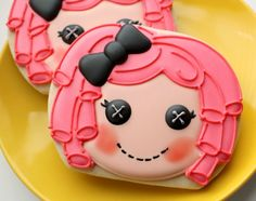 Lala Loopsy Doll. Great use of a pumpkin cookie cutter. I love this artist's detailed piping work and coloring. Wow!