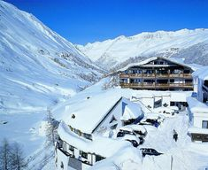 Art and Relax Hotel Bergwelt, Luxury Hotel in Tirol, Austria Alpine Lodge, Hotel World, Best Ski Resorts, Small Luxury Hotels, Das Hotel, Mountain View, Bergen, Resort Spa, Wonders Of The World