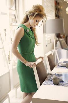 Green Dress  http://www.annesage.com/.a/6a00e55225716d8833015437e7e580970c-800wi