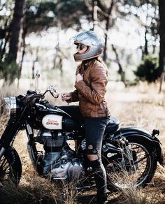 royal enfield new model Enfield Bike, Enfield Motorcycle, Cafe Racer Girl, Cafe Racer Build, Motorbike Girl, Motorcycle Style, Motorcycle Girls, Motorcycle Travel, Biker Style
