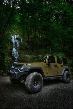 2013-jeep-wrangler-Commando-Green