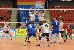 Norsk blokk mot Island Dory, Volleyball, Sweden, Greece, Basketball Court, Island, Sports, Greece Country, Hs Sports