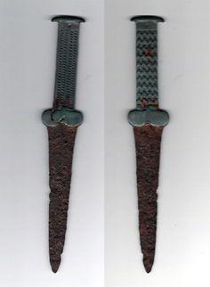 Scythian dagger. 24 centimeters.