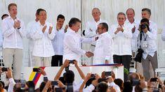 Y, hablando de procesos de paz, Colombia ha firmado el acuerdo para poner fin a medio siglo de guerra. Javier Lafuente