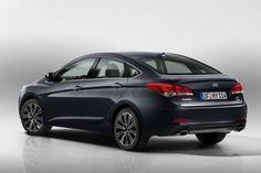 Модернизация Hyundai i40 2015 года. Недавно южнокорейский производитель презентовал рестайлинговые модификации универсала и четырехдверки i40 2015 года. Машины обзавелись новой радиаторной решеткой, обновленной оптикой, красивыми ходовыми огнями на светодиодах и вышт�