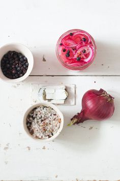 These pickled red onions are very easy to make and works well as a side dish to something like pulled pork or maybe just with a sandwich. Eating Vegetables, Pickled Red Onions, South African Recipes, White Wine Vinegar, Vegetable Sides, Pulled Pork, Apple Cider, Pickles, Side Dishes