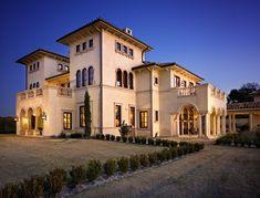 Majestic Italian Palazzo in Texas, U.S.A 16