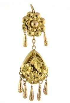 Victorian circa 1870, 18k yellow gold floral chandelier style pendant.