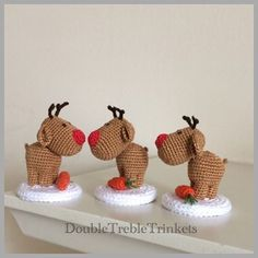 Amigurumi reindeers with carrots, love them so much! (Inspiration).