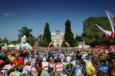 The riders line up for stage 20, the final day in the mountains, in Annecy.  TDF 2013.