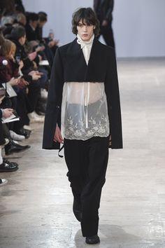 Crop jacket, sleeve vent Ann Demeulemeester Fall 2017 Menswear collection.