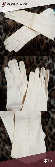 Vintage long gloves Vintage off-white/cream excellent condition gloves Accessories Gloves & Mittens