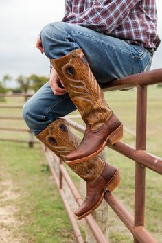 Buckaroo boots by Twisted X! #cowboyboots #cowboys #country For more Cute n' Country visit: www.cutencountry.com and www.facebook.com/cuteandcountry