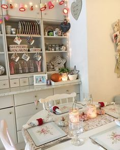 A very rare Sunday off together! The boys are on their way back from my sons football match...there's a roast chicken dinner ready and waiting!! Happy Sunday! #weekend #happy #kitchen #dresser #pastel #emmabridgewater #tilda #greengate #bunting #fairylights ☺️