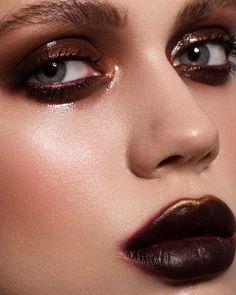 makeup artistico Makeup dark lipstick mac eyeshadow ideas for 2019 Punk Makeup, Eye Makeup Art, Clown Makeup, Makeup Inspo, Lip Makeup, Makeup Inspiration, Dark Lips Makeup, Devil Makeup, Rave Makeup
