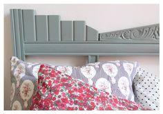 Créer une tête de lit à partir d'un devant d'armoire ! Idée géniale chez Couture et Turbulences