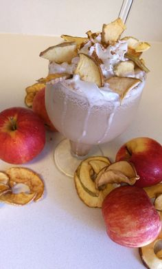 Salted Caramel Apple Cider Chai Tea Latte Smoothie - My mouth is watering just looking at this picture!  www.jessiebeemine.com