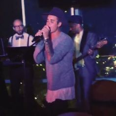 "Pin for Later: You'll Love Justin Bieber's Rendition of ""I'll Make Love to You"""