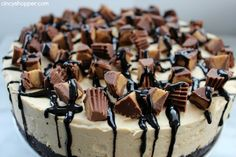 No Bake Reese's Peanut Butter Cheesecake - CincyShopper Reese's Peanut Butter Cheesecake, Peanut Butter No Bake, Reeses Peanut Butter, Butter Pie, Creamy Peanut Butter, Cheesecake Recipes, Dessert Recipes, Reese Cheesecake, Cheesecake Brownies