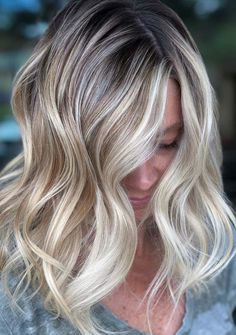 34 Best Of Balayage Highlights to Show Off in 2018. See here the stunning highlights of balayage hair colors to try nowadays. It is one of the best hair colors to wear for various functions in 2018. So browse this link to get the latest ideas of balayage hair colors and hairstyles in year 2018.