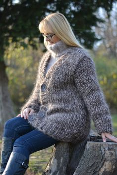 Pullover Outfit, Turtleneck Outfit, Sweater Outfits, Mohair Cardigan, Brown Cardigan, Thick Sweaters, Wool Sweaters, Knitwear, Layers