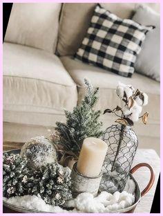 Winter Living Room, Living Room Tv, Cozy Living Rooms, Christmas Room, After Christmas, Homemade Christmas, Christmas Gifts, Minimalist Christmas Tree, Cozy Winter