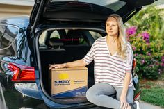 Moving season is here. Here are tips on how to figure out the perfect storage unit size for your needs. #ad #selfstorage #moving #packing #relocation #SimplyStorageSolutions