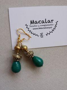 Pendientes green pendientes piedras naturales por MACALAR en Etsy. #pendientes #earings #ohrrings #pendienteslargos #pendientesfiesta #verde #joyas #joyitas #dorado #golden #accessories #juwel #jewel #jewellery #jewelry #moda #fashion #trendy