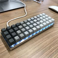 Reckon you could get by with blank keycaps or an ortholinear layout? Planck with tri-tone SA Blanks. Credit to u/Gumberculese #productivity #setup #mechanicalkeyboard #keyboard #workstation #office #homeoffice #tech #technology #gadgets #pcgaming #mechanicalkeyboards #mechanicalkeyboard #workspace #dailyclack #pcmr #cherrymx #deskdecor #keyboardgaming #workstation #workspace
