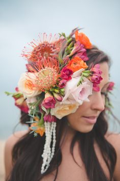 Tropical flower headpiece from Passion Roots   Bit of Ivory Photography   see more on: http://burnettsboards.com/2014/03/kuu-lei-colorful-tropical-bridal-session/