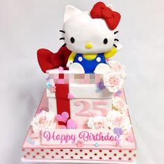 キティちゃん2段ケーキ #可愛い #キティ #キティちゃん #ケーキ #誕生日ケーキ #ハローキティ #ボックスケーキ #キティもケーキ #kitty #hellokitty #hellokittycake #kawaii #character #charactercake #lovery #gateau #torta #fondantcake #pateasucre #japanesemade #