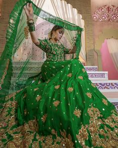 Pakistani Mehndi Dress, Bridal Mehndi Dresses, Pakistani Wedding Outfits, Indian Bridal Wear, Pakistani Wedding Dresses, Pakistani Dress Design, Bridal Outfits, Bridal Lehenga, Mehendi