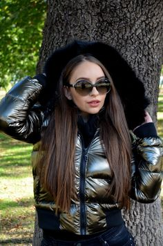 Pants For Women, Jackets For Women, Clothes For Women, Women's Jackets, Down Suit, Parka Style, Leather Jacket Outfits, Puffy Jacket, North Face Jacket