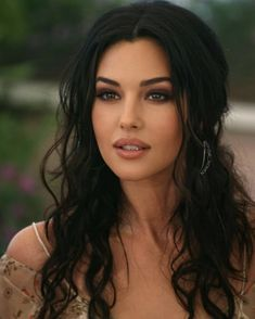 Beautiful Women Pictures, Most Beautiful Women, Monica Bellucci Movies, Monica Belluci Malena, Brunette Beauty, Hair Beauty, Woman Face, Beautiful Eyes, Dark Hair