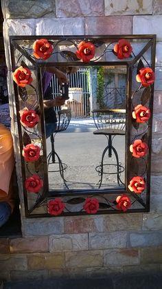 Moldura de ferro para espelho